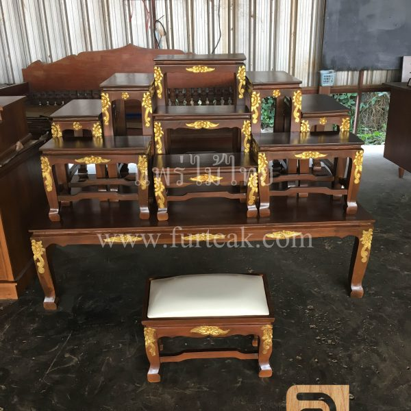โต๊ะหมู่บูชาไม้สักแกะสลัก